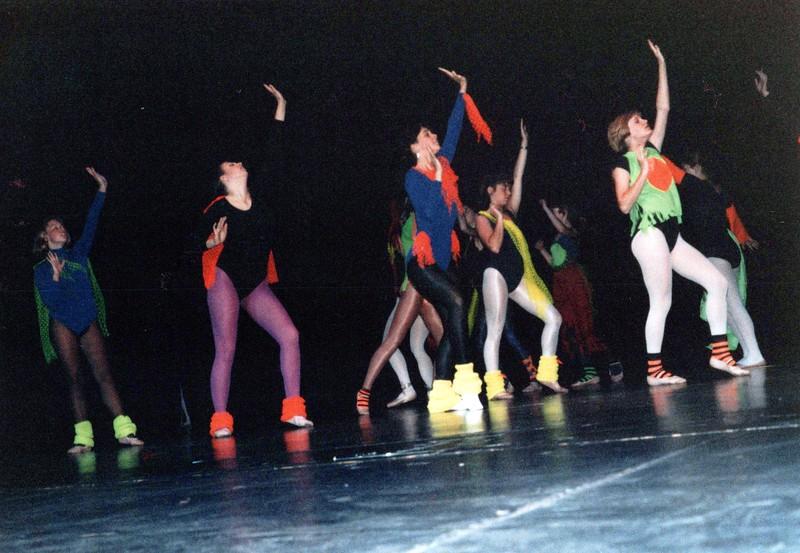 Dance_2040_a.jpg