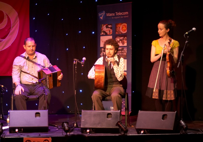Damian, Eamon and Niamh - Beoga
