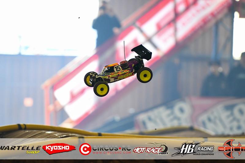 neo race track pits47.jpg