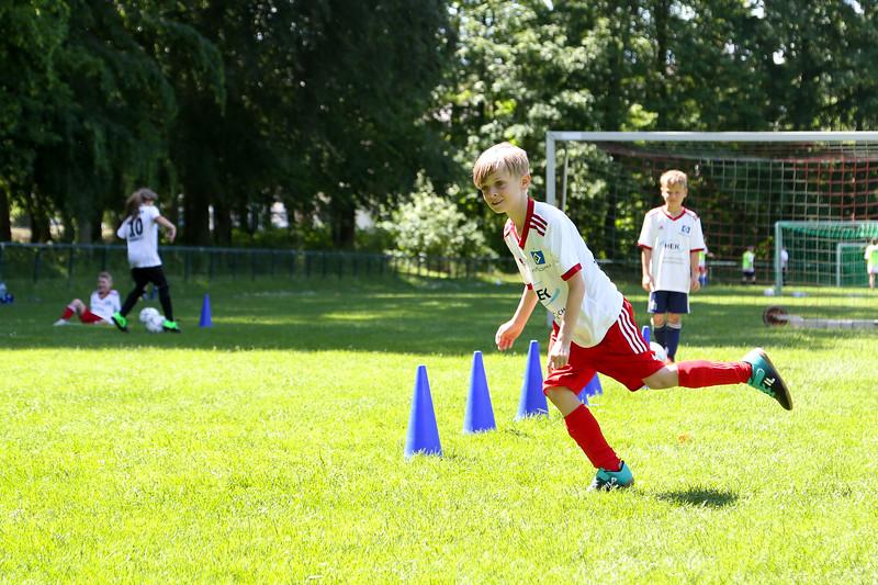hsv_fussballschule-460_48047956976_o.jpg