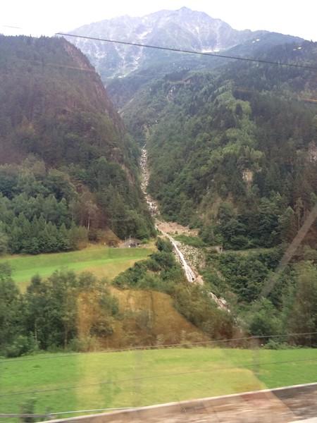 352_iPhone_Switzerland.jpg