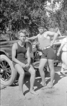 Bundle#41 unlabled negs 1924 & 1944
