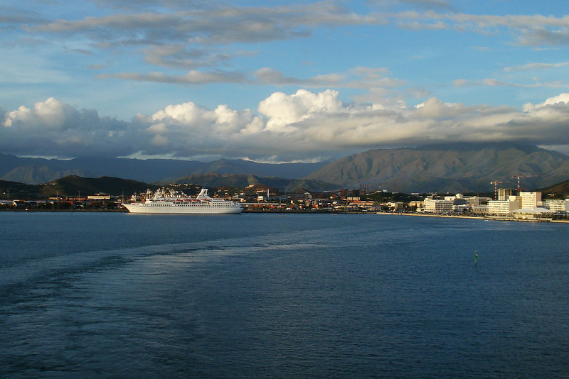 Noumea Harbor 2.jpg