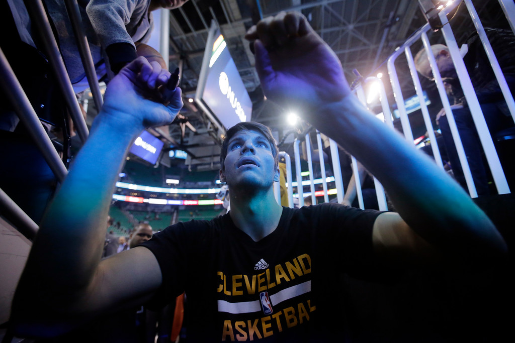 . Cleveland Cavaliers guard Kyle Korver signs autographs after practice before the start of their NBA basketball game against the Utah Jazz Tuesday, Jan. 10, 2017, in Salt Lake City. (AP Photo/Rick Bowmer)