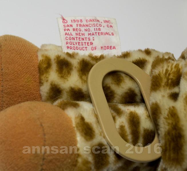 Giraffeplush03.jpg