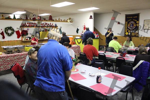 Howard Lake 2016 Breakfast with Santa event