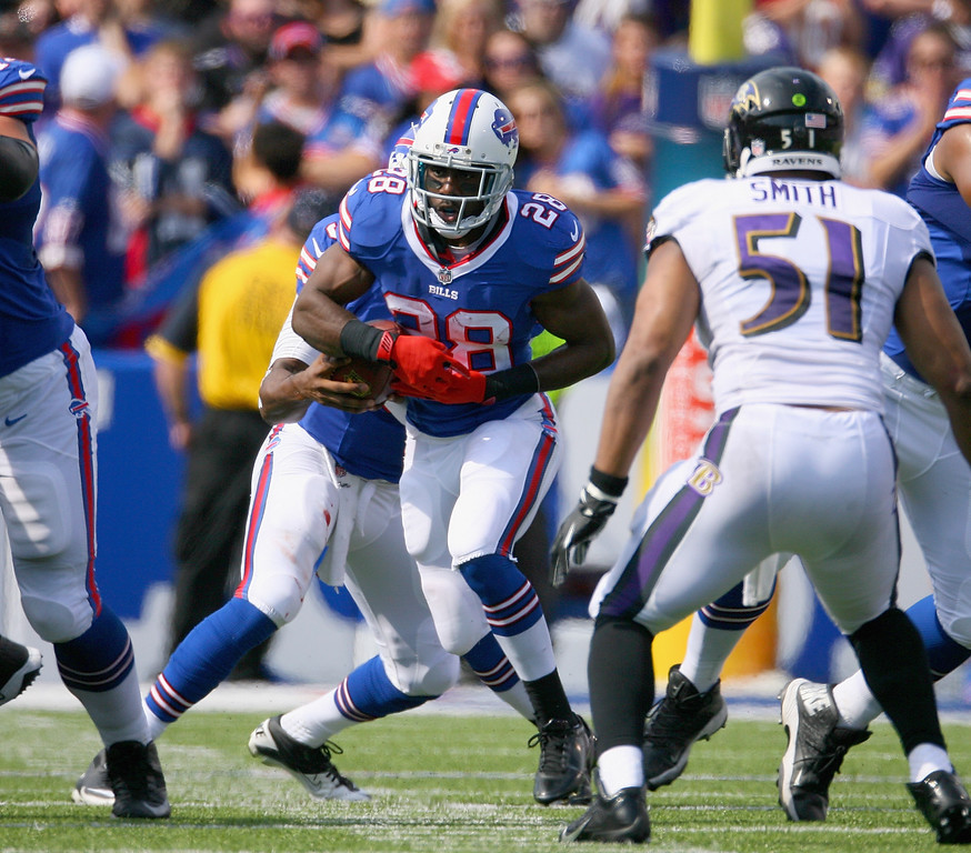 . ORCHARD PARK, NY - SEPTEMBER 29: C.J. Spiller #28 of the Buffalo Bills runs against the Baltimore Ravens at Ralph Wilson Stadium on September 29, 2013 in Orchard Park, New York.  (Photo by Rick Stewart/Getty Images)