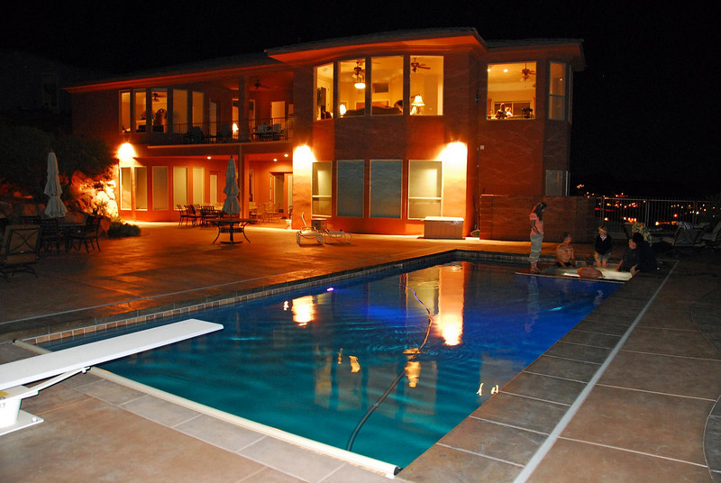 10/24/07 – We went with six other couples to St. George, Utah for a few days of rest and recreation. Our neighbor invited us to go. His parents own this home as a vacation property for their family. We really enjoyed the pool and Jacuzzi.