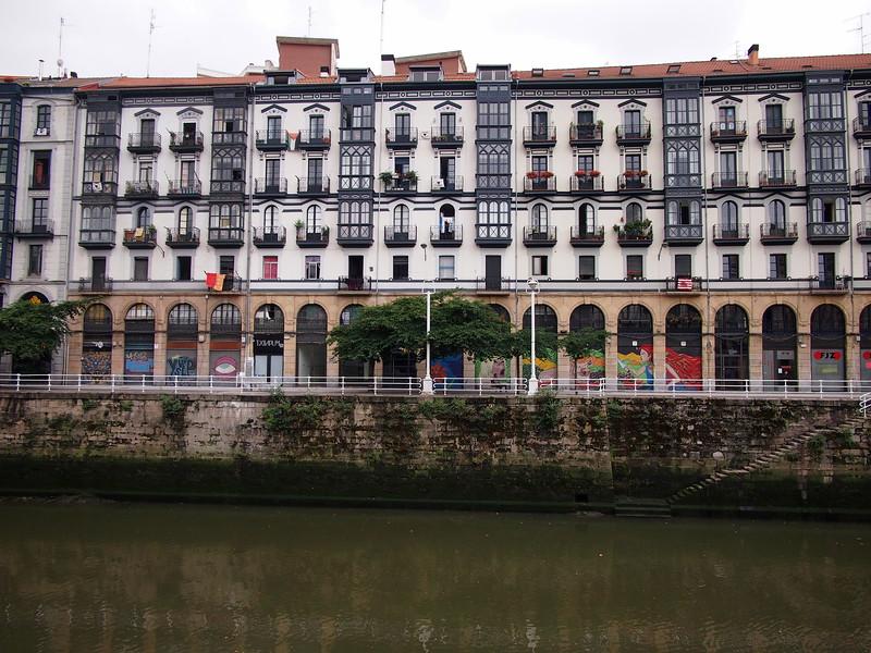 P7215713-river-apartments.JPG