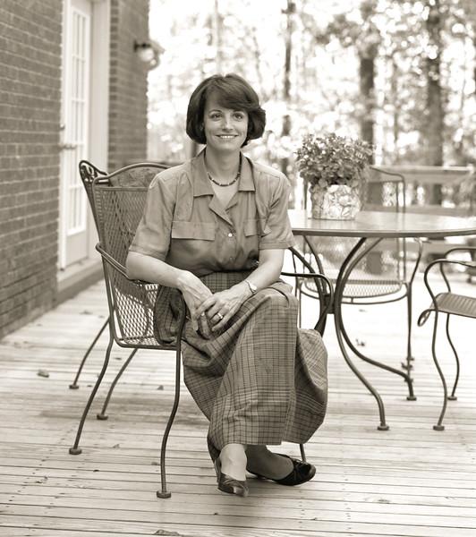 1987 Susan on porch 8721.jpg