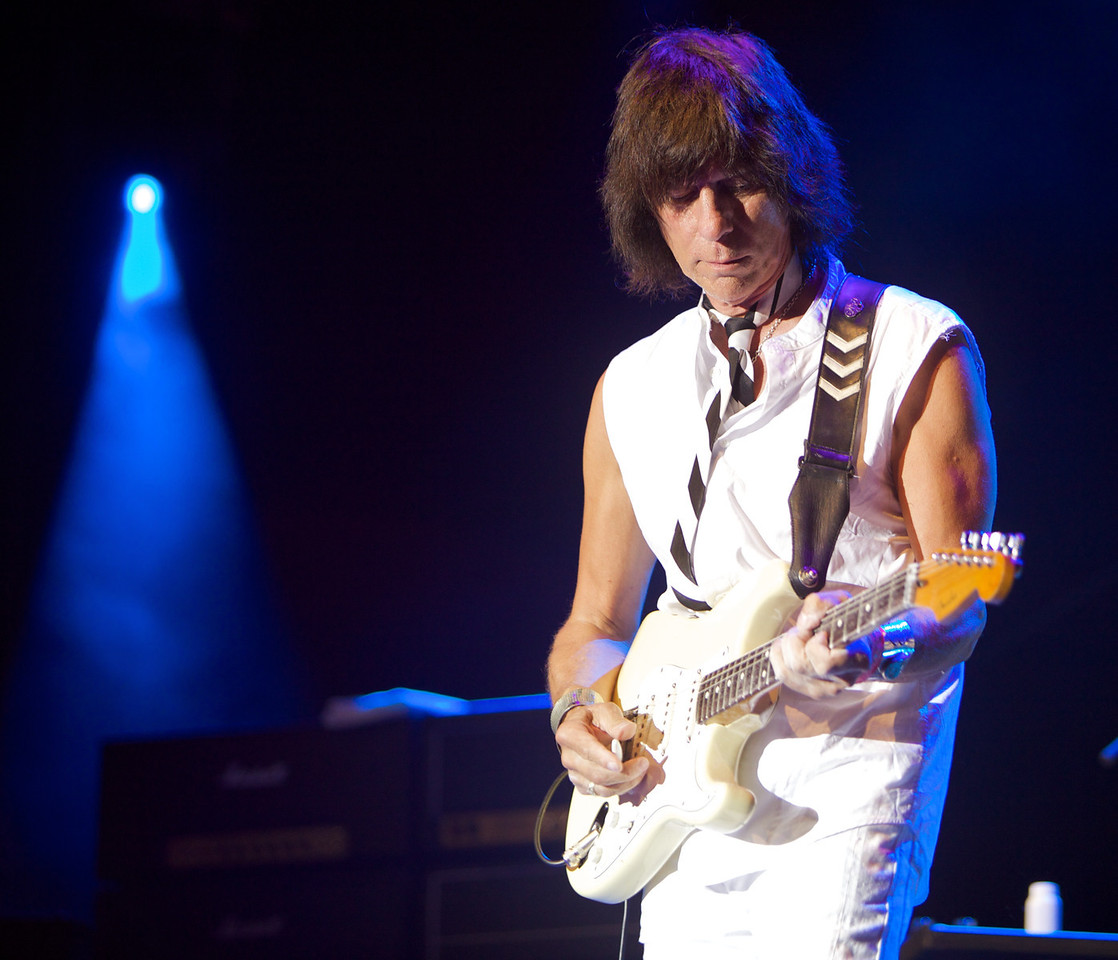 Jeff Beck in concert at Jazz à Juan 2009