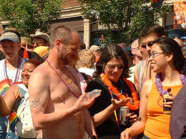 Pride Parade 2001-62-1.jpg