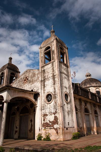 Santa Ana, community church