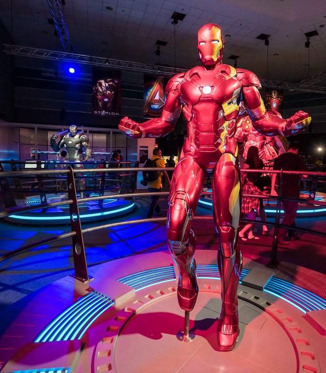 MARVEL'S AVENGERS S.T.A.T.I.O.N. - Iron Man suits