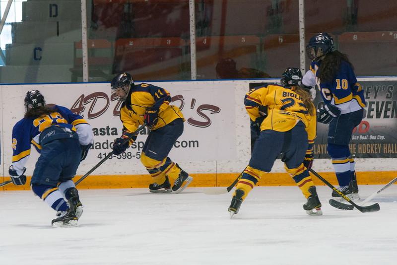 20130310 QWHockeyvsUBC 178.jpg