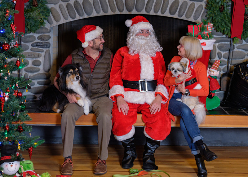 CB Santa 2019-8032.jpg