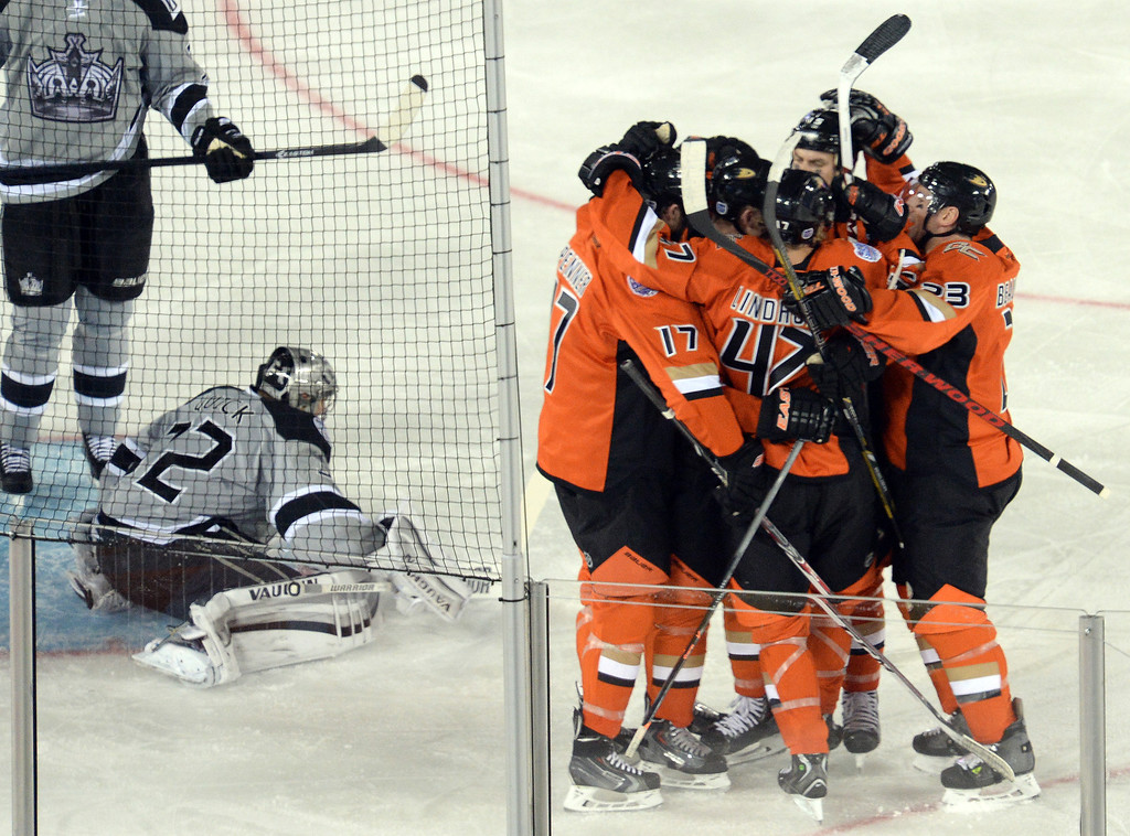 . Ducks� celebrate Corey Perry\'s first period goal during the  2014 NHL Stadium Series featuring the Los Angeles Kings taking on the Anaheim Ducks at Dodger Stadium January 25, 2014. (Photo by Hans Gutknecht/Los Angeles Daily News)