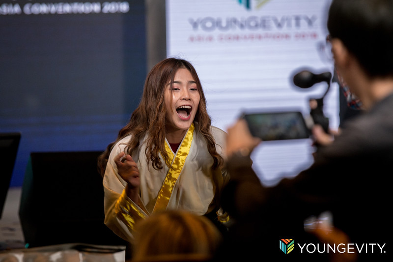 youngevity 19th C2-273.jpg
