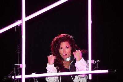 2-2-Jill-Pink-ProfotoFlash-StageHairLight