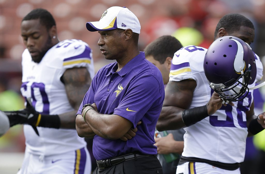 ". <p>1. MINNESOTA VIKINGS <p>Already in midseason form. Mid 2011 season. (unranked) <p><b><a href=\'http://www.twincities.com/sports/ci_23940039/minnesota-vikings-offensive-problems-continue-san-francisco\' target=""_blank\""> HUH?</a></b> <p>   <p>OTHERS RECEIVING VOTES</b> <p> Linda Ronstadt, March on Washington, Dean Meminger, baby pandas, Riff Raff, J.D. Salinger, global warming, 2022 World Cup, Jonathan Cooper, Chris Sale, Penn State, Detroit, Graham Harrell, Ja�Nel Witt, Tony Siragusa, Hubert Allen Jr., Brooklyn Center, Tampa Bay Buccaneers, George Zimmerman, Rio de Janiero, Brian Wilson\'s Beard, Koch Brothers, Bill Cowher, Chris Paul, Terrell Owens & Drew Rosenhaus,Madonna\'s grill, John Sharp, John Lennon\'s teeth, Steve Ballmer. <p>  (AP Photo/Ben Margot)  <br><p>Follow Kevin Cusick on <a href=\'http://twitter.com/theloopnow\'>twitter.com/theloopnow</a>."
