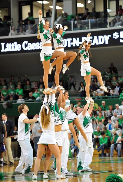 cheerleaders0525.jpg