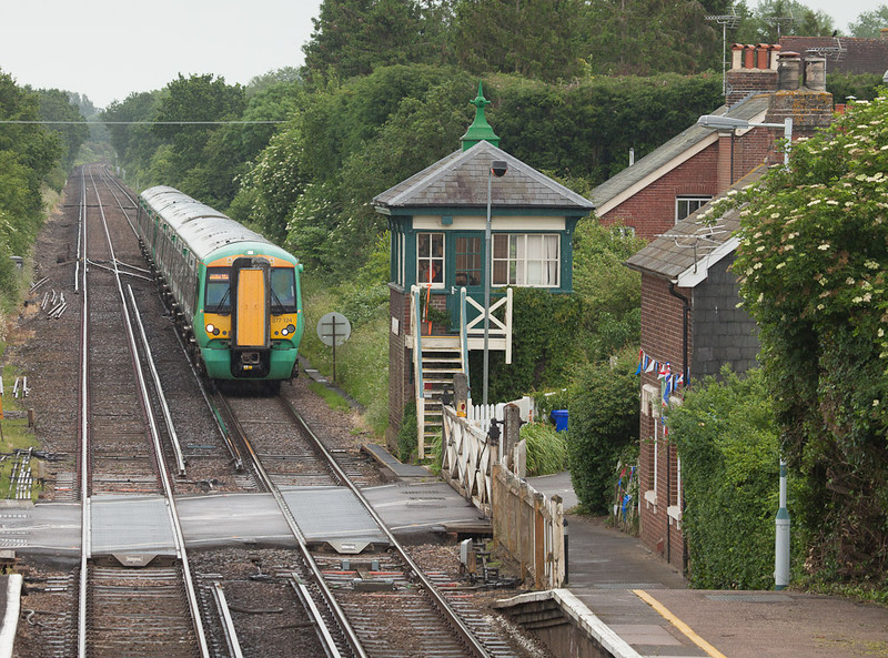 Southern 377 124 in Plumpton, Sussex.