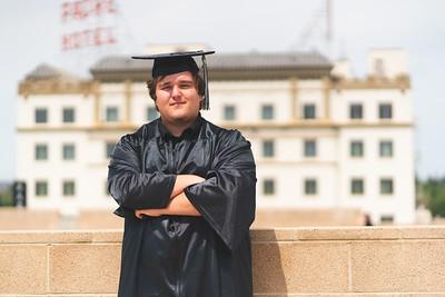 Hoss Graduation