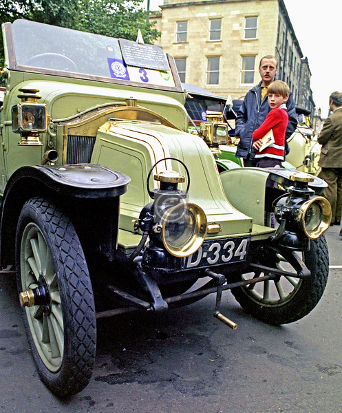If you don't like old cars you can skip the next lot, which were taken in Blythswood Square on Sunday August 20th 1978 on the occasion of the RSAC's annual Vintage and Veteran Car Rally. I like old cars well enough, but know hee-haw about them, so I won't pretend otherwise.