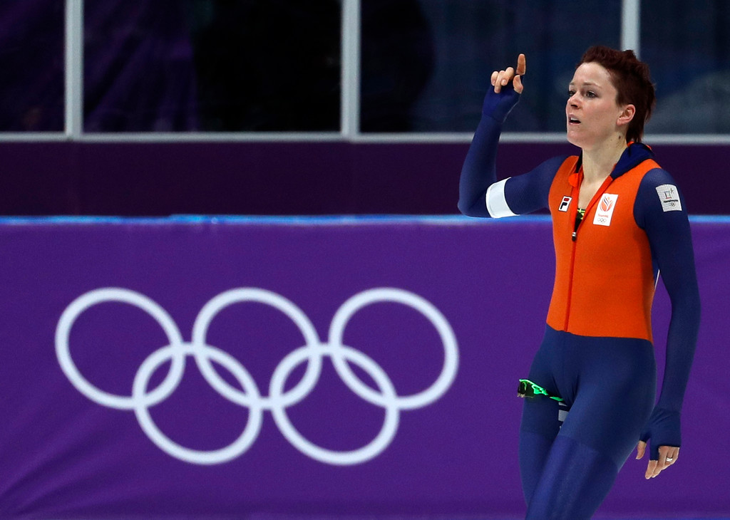 . Jorien ter Mors of The Netherlands celebrates setting a new Olympic record in the women\'s 1,000 meters speedskating race at the Gangneung Oval at the 2018 Winter Olympics in Gangneung, South Korea, Wednesday, Feb. 14, 2018. (AP Photo/John Locher)
