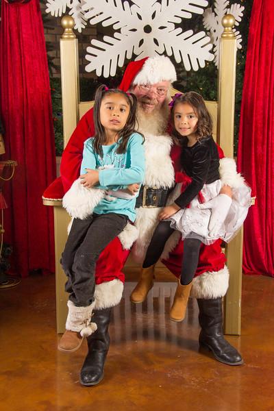 Santa 12-16-17-279.jpg