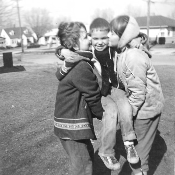 23 Old Nicol Photos - Sally Mike Ilene 1960.jpg