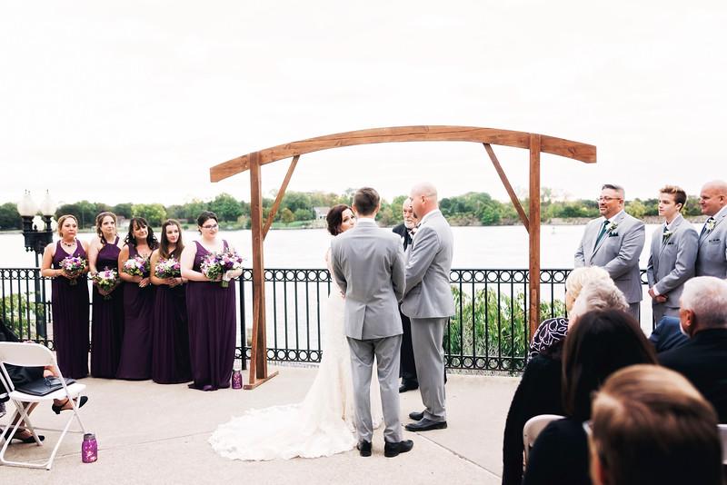 chateau-on-the-river-trenton-michigan-wedding-0288.jpg