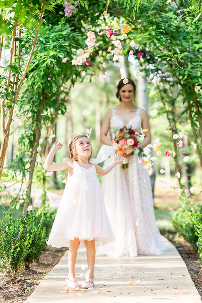 Daria_Ratliff_Photography_Styled_shoot_Perfect_Wedding_Guide_high_Res-196.jpg