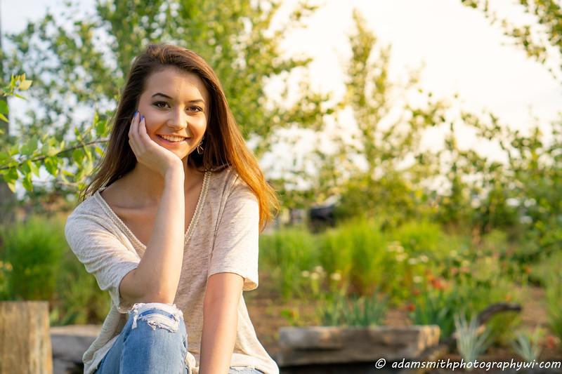 Christy_Senior_Pics_Summer_Park-2.jpg