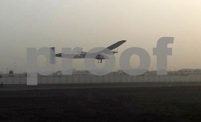 solarpower-plane-airborne-on-historic-roundtheworld-trip