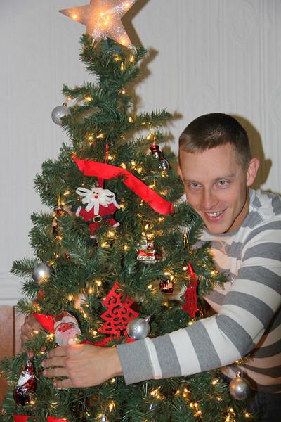 Me Tree Hugging, Tree Hugger, Community Arts Center, Tamaqua (11-30-2012)