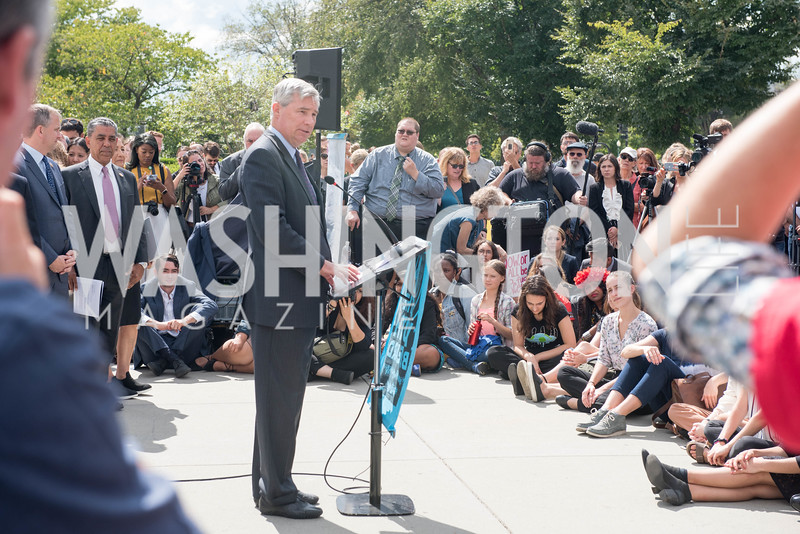 Senator Sheldon Whitehouse, Activists and Members of Congress gather at the Supreme Court, with Plaintiffs from Juliana v. United States, as part of the Global Climate Strike.  September 18, 2019.  Photo by Ben Droz