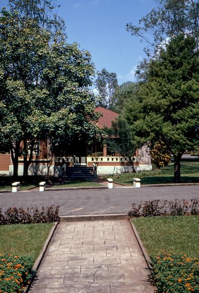 Dundo - jardim da K 271