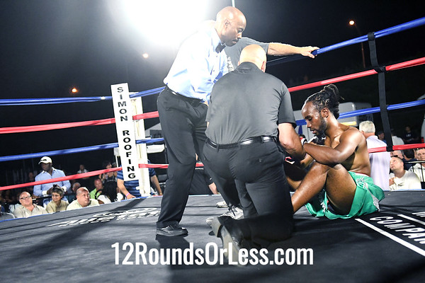 Bout 6 Daywaun Rosenberry, Blue Wrist-Wraps, Cleveland -vs- John Gregory, Red Wrist-Wraps, Youngstown, 144 Lbs.