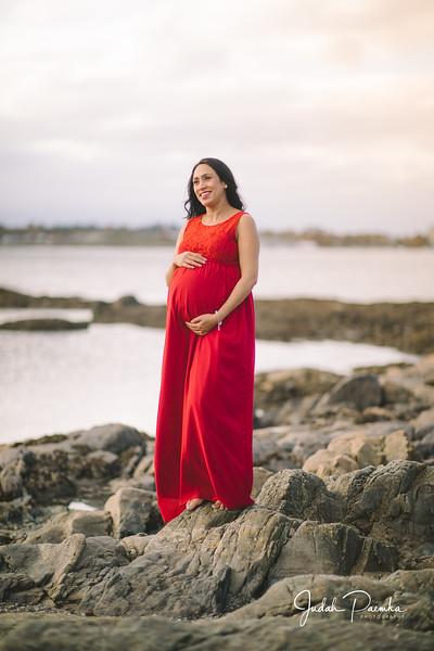 Kiran's Maternity Shoot - Cattle Point, Victoria BC. -75.jpg