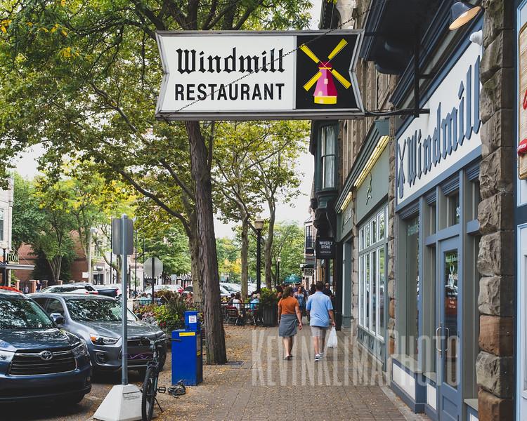 windmillrestaurantsidewalk.jpg