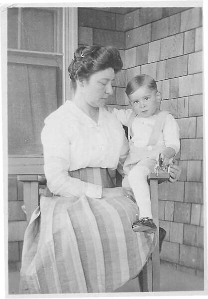 Clyde&Aunt_Jennie.jpg