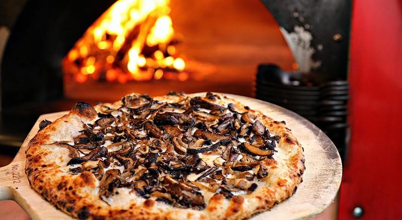 2019-03-19 A053 Jacksons Mixed Mushroom Pizza (69).jpg