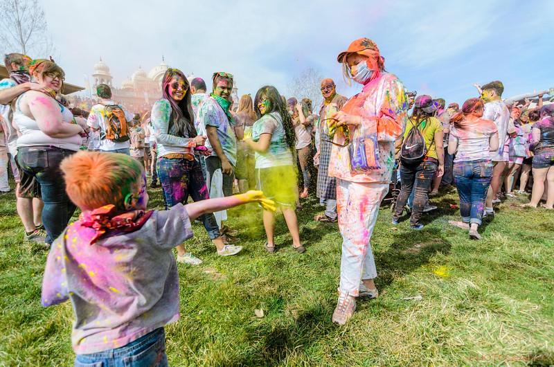 Festival-of-colors-20140329-163.jpg