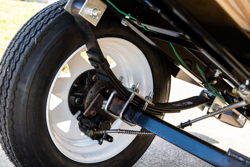 Islander Green Team Bike comes equipped with a Hydraulic Breaking System to prevent any damage done to the bike while hauling heavy materials.