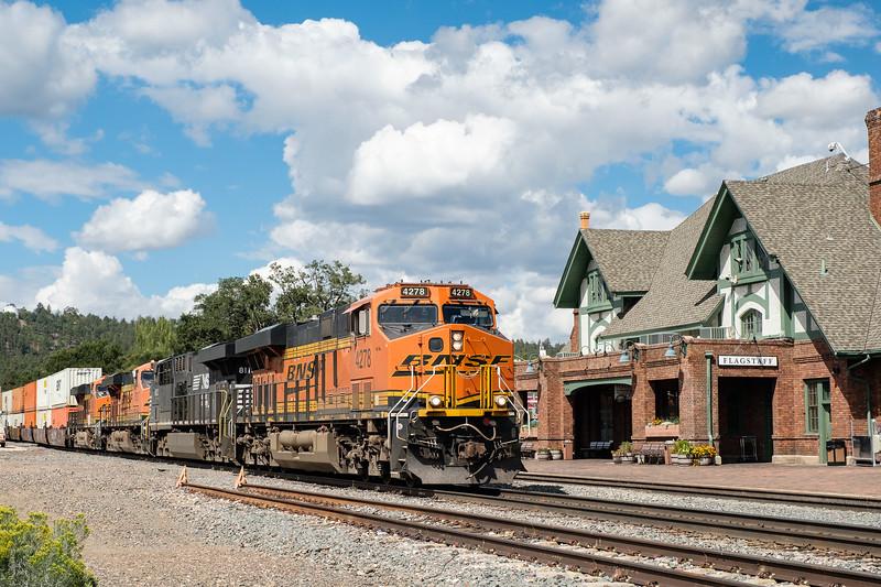 Burlington Northern Santa Fe locomotive #4278 leads an intermodal train in Flagstaff, Arizona