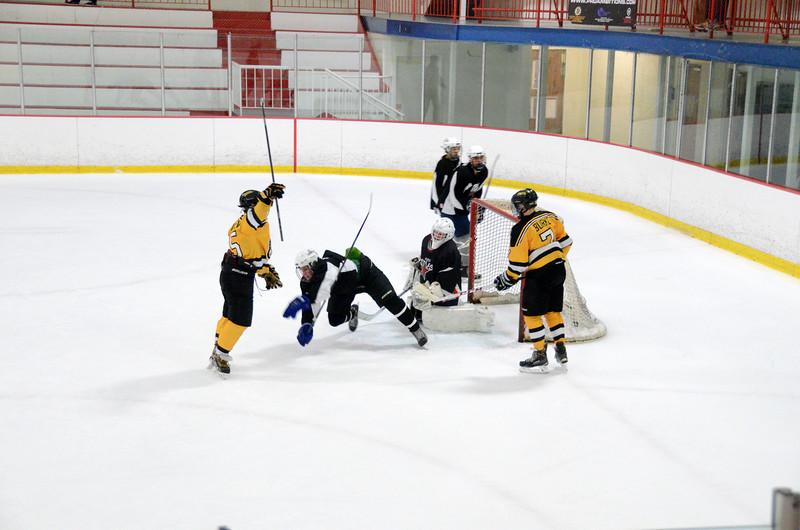 140913 Jr. Bruins vs. 495 Stars-058.JPG