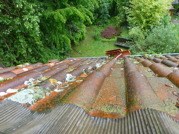 2014-05 Leica Beschädigtes Dach Haus Fennbusch