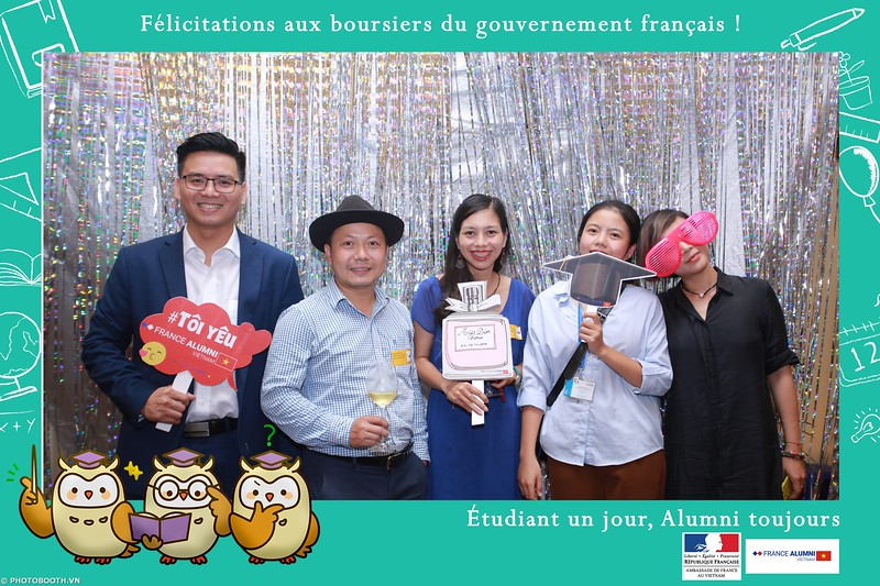 France-Alumni-Vietnam-photobooth-at-Franch-Embassy-Vietnam-photobooth-hanoi-in-hinh-lay-ngay-Su-kien-Lanh-su-quan-Phap-WefieBox-photobooth-vietnam-022.jpg