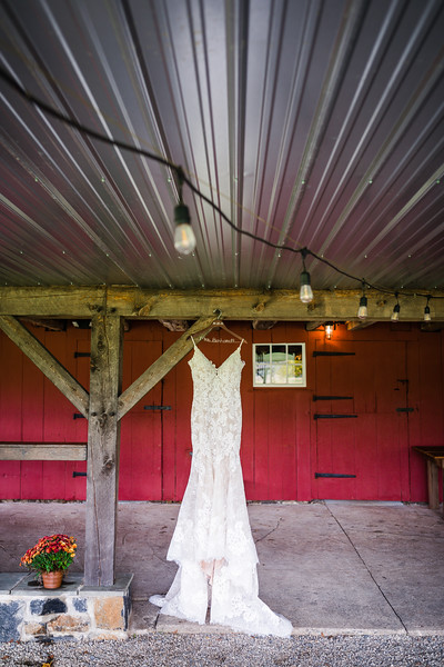 ALEXA AND MARK - THE FARMHOUSE BAKERY AND EVENTS - WEDDING PHOTOGRAPHY-31.jpg